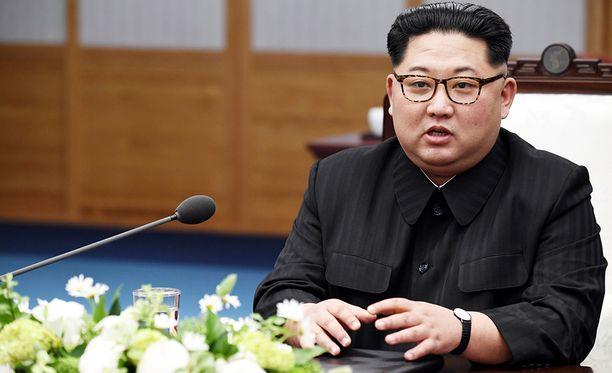 Kim Jong-un on tähän mennessä onnistunut pitämään aloitteen käsissään muuttamalla mieltään tämän tästä. Trump on joutunut altavastaajan asemaan.