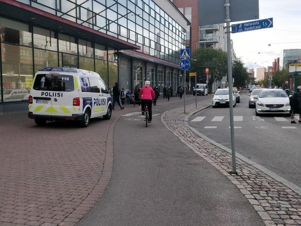 Helsingin Ruoholahdessa tapahtui perjantai-iltapäivänä puukotustapaus.