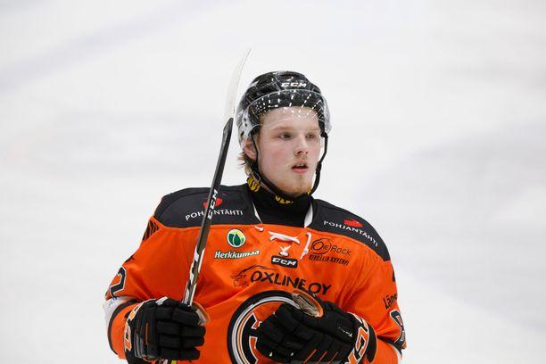 Eetu Tuulola voitti kauden 2018-2019 päätteeksi Suomen mestaruuden HPK:n paidassa.