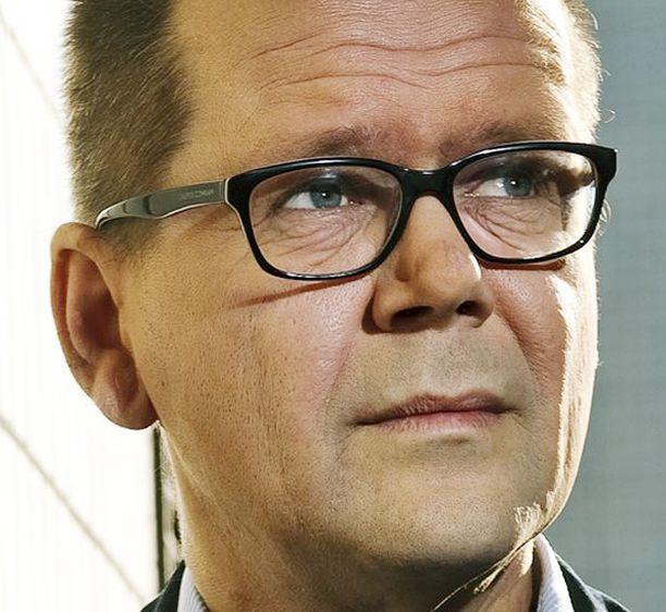 Kari Hotakainen on jälleen ehdolla Finlandia-palkinnon saajaksi.