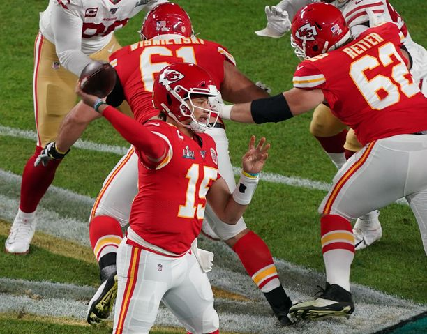 Epävarman alun jälkeen Patrick Mahomes nousi Super Bowlin sankariksi.