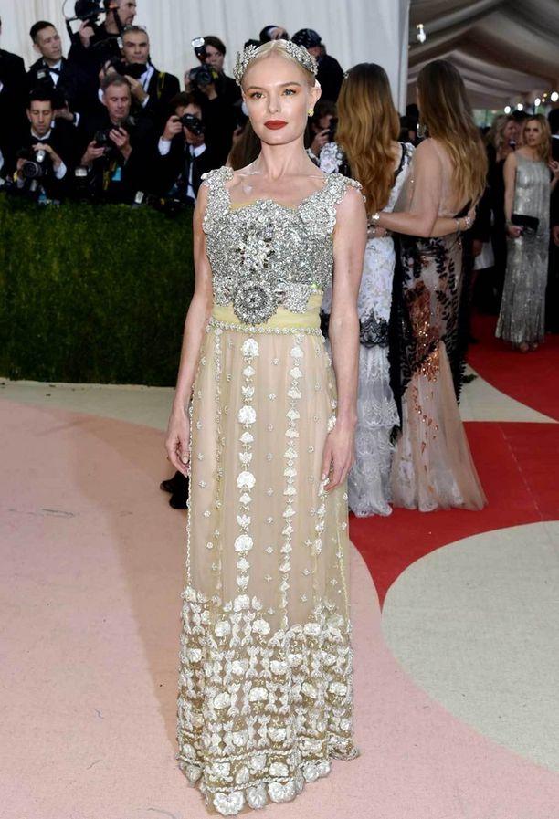 Kate Bosworth näytti prinsessalta Dolce & Gabbanan luomuksessa.