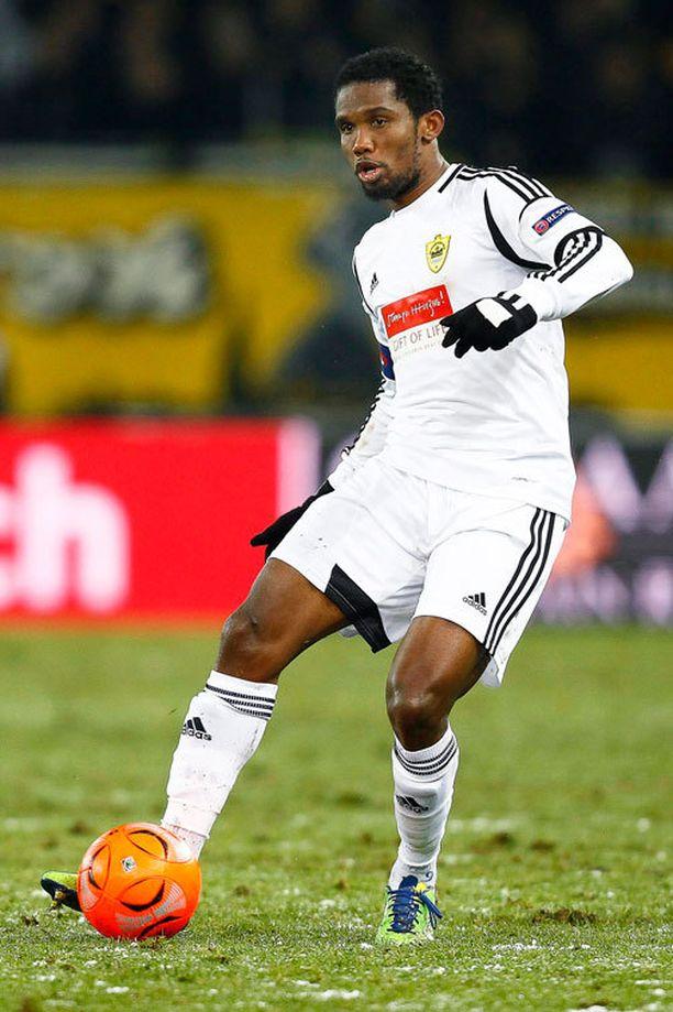 Samuel Eto'o siirtyy Chelseaan.