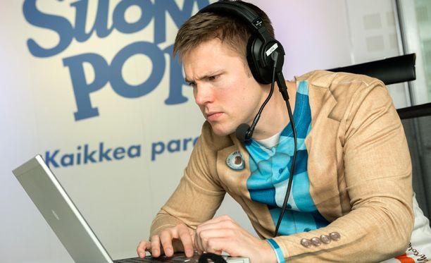 Juha Perälä on Aamulypsyn vakiojuontaja.