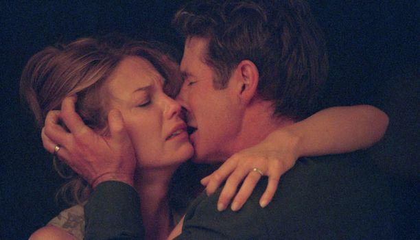 Diane Lane ja Richard Gere esittävät pariskuntaa, jonka avioliitto ajautuu kriisiin.
