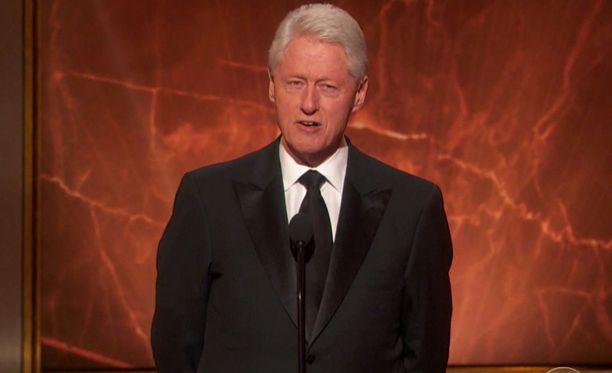 Presidentti Bill Clinton nähdään vallanvaihtoseremonissa.