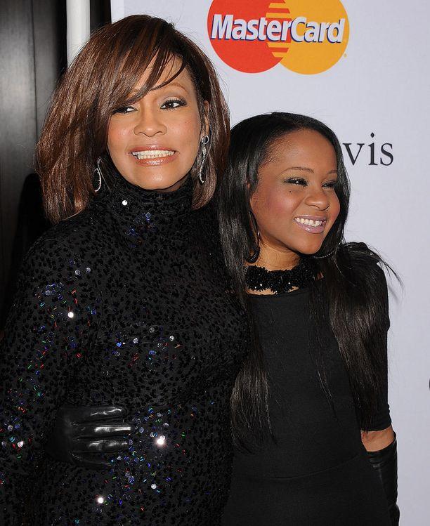 Whitney Houston ja hänen tyttärensä Bobbi Kristina Brown kuvattuna vuonna 2011.