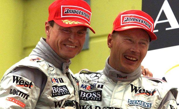 David Coulthard ja Mika Häkkinen ovat nykyään hyvissä väleissä. Kuva vuodelta 2000.