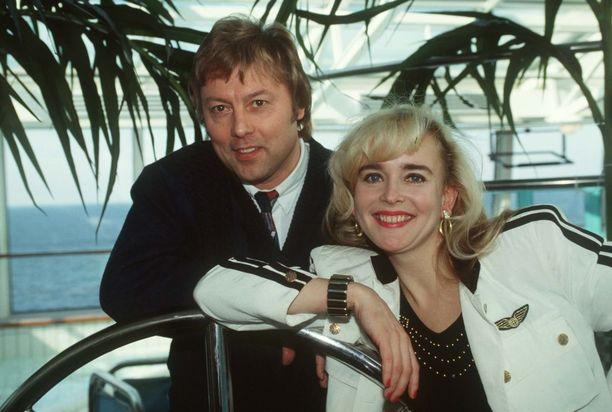 Danny pyysi Virpi Miettistä pitkäaikaisen työtoverinsa ja rakastettunsa Armi Aavikon avuksi.
