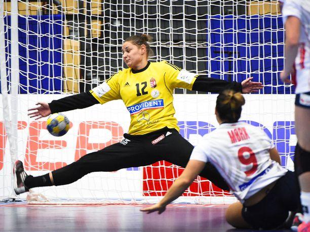 Melinda Szikora torjui Unkarille voiton alkujärkytyksestä huolimatta.