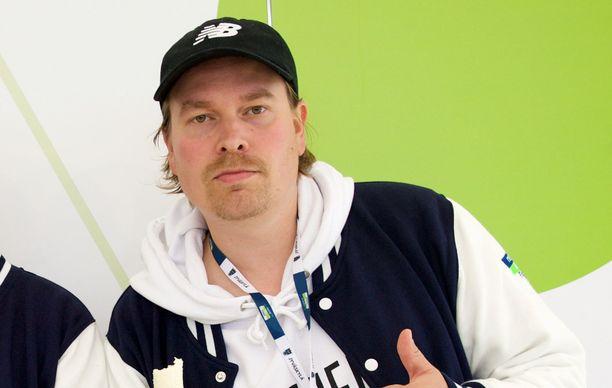 Heikki Kuula käytti Linnan juhlien kutsua ovelana mainostempauksena musiikilleen.