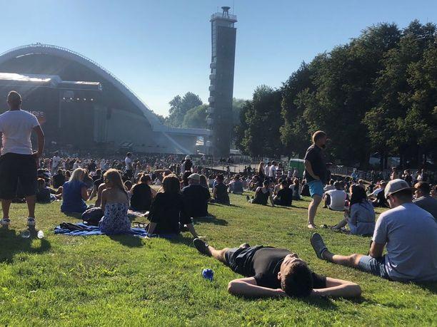 Upea sää suosi konserttivieraita.