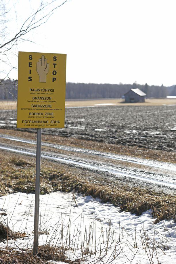 Poliisi kertoo, että epäilty rajaloukkaus tapahtui maanantai-iltapäivänä Grense Jakobselvissä, Norjan itäisimmässä kylässä. Kuvituskuva.