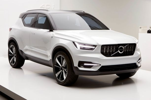 Volvon uusi kuvan konseptimallin kaltainen pikkumaasturi XC40 kilpailee markkinoilla mm. Audi Q2:n ja Mercedes GLA:n kanssa.
