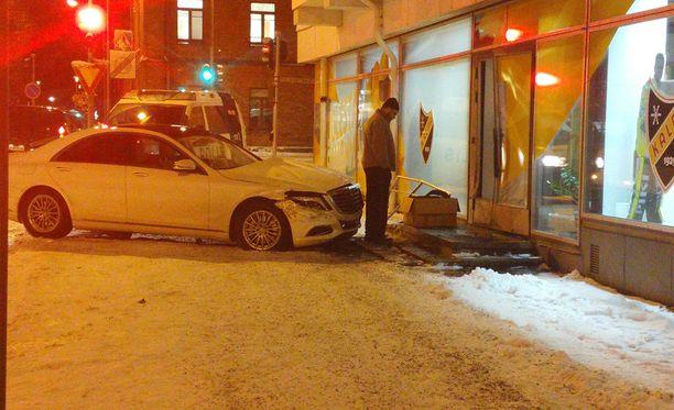 Onnettomuus sattui Sairaalakadulla Kuopion keskustassa, jossa KalPan toimisto sijaitsee.
