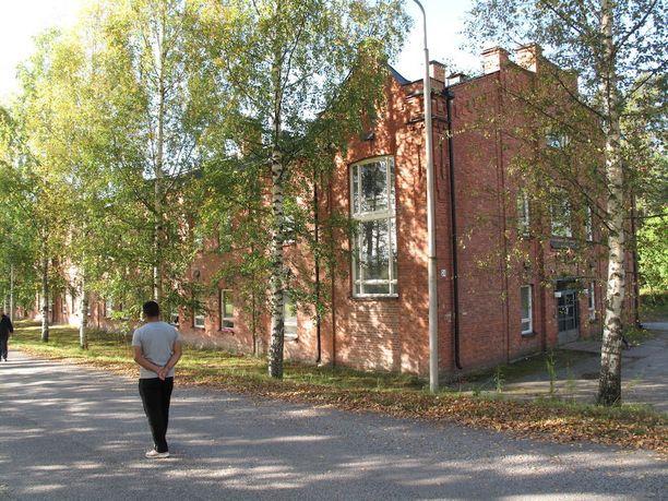 Muun muassa Hennalan vastaanottokeskuksen asukkaista osa on tehnyt mielellään töitä vaikka ilmaiseksi.