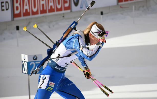 Suvi Minkkinen kilpaili perjantaina numerolla kaksi.
