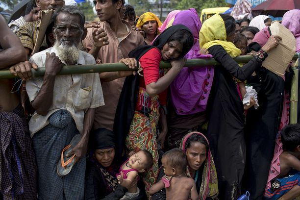 Yli 430 000 rohingya-muslimia on paennut Myanmarista.