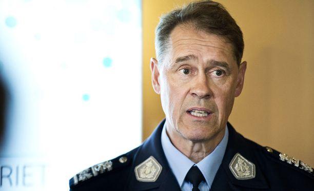 Pollisiylijohtaja Seppo Kolehmainen pitää käräjäoikeuden viestiä selkeänä ja avoimen rasismin vastaisena.