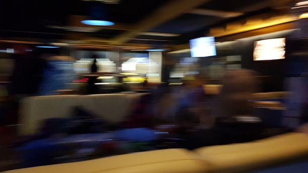 Monella voi olla Tunturi-Lapin laskettelukeskusten baari-illoista todellisuutta villimpi mielikuva.