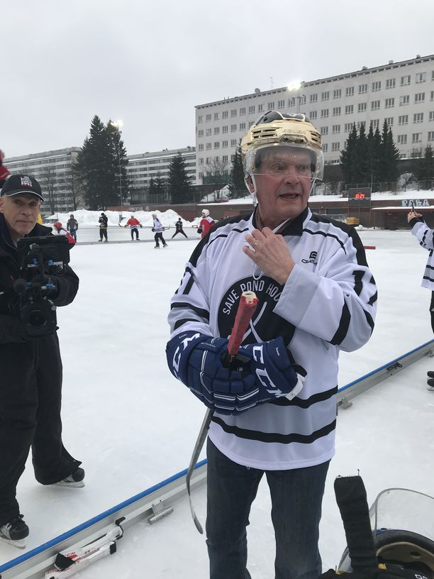 Presidentti Sauli Niinistö on kiekkomies.