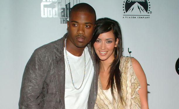 Ray J on laulaja Brandin veli. Hän seurusteli Kim Kardashianin kanssa pari vuotta kaksikymppisenä. Kuva on otettu vuonna 2006.