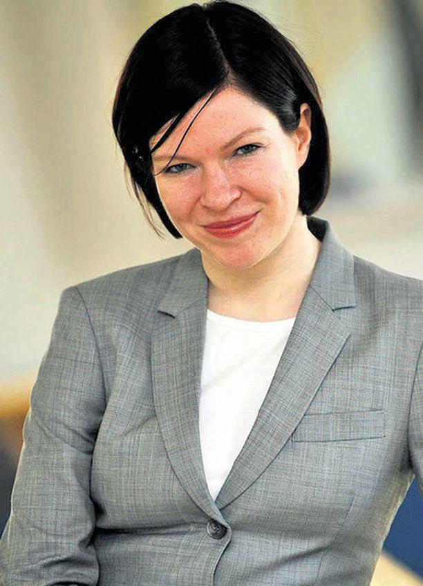 Vihreiden uusi puheenjohtaja Anni Sinnemäki toivoo lisää miehiä puolueeseen.