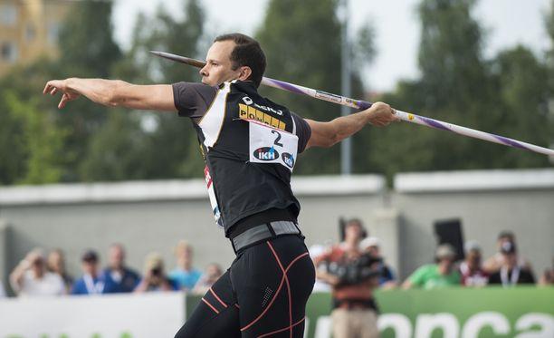 Tero Pitkämäki kilpailee Dohassa.