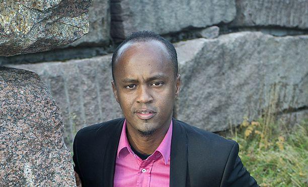 Abdirahim Hussein erotettiin määräajaksi demarien valtuustoryhmästä.