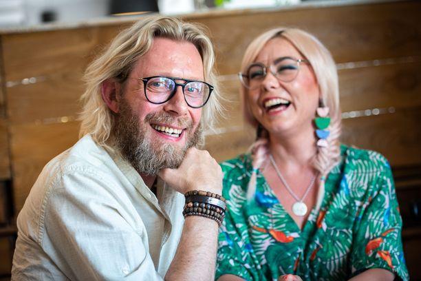 Kimmo Vehviläinen ja Petra-rakas muuttivat hiljattain saman katon alle.