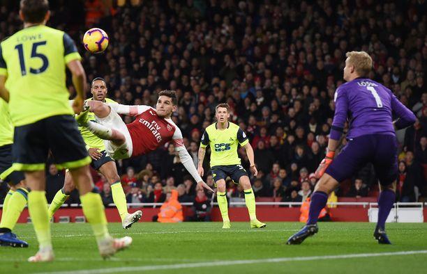 Lucas Torreira pelasti saksarillaan Arsenalin nololta kotitasapeliltä.