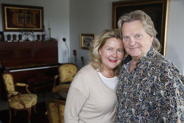 Pieleen mennyt kiertue oli pikakoulu managerointiin. Sittemmin Pepe Willberg ja Pauliina -vaimo ovat tehneet lukuisia onnistuneita kiertueita.