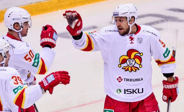 Niklas Hagman keräsi pisteet 3+1.