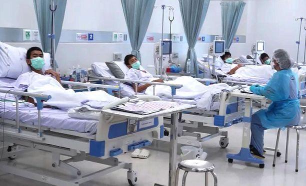Tham Luang -luolasta pelastetut pojat ovat hoidossa Chiang Rain sairaalassa.