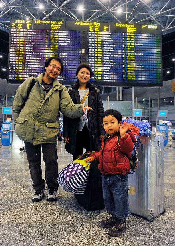 Takashi, Junko ja Yuto Yasukochi vierailivat Suomessa vuonna 2009.
