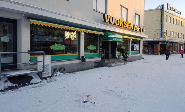 Ampuminen tapahtui Vuoksenvahti-ravintolan edustalla.