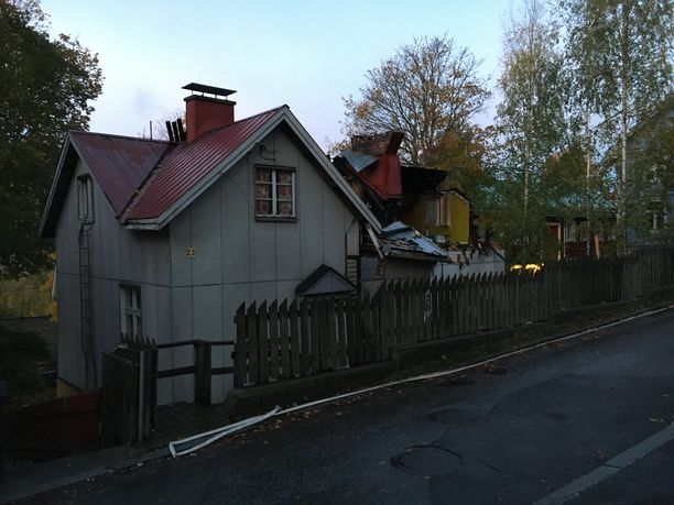 Mies on kuollut lauantain vastaisena yönä tulipalossa Pispankadulla Tampereen Pispalassa.