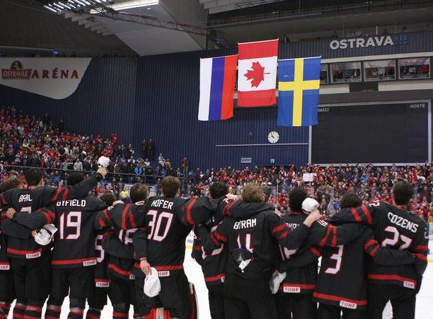 Edellisten kisojen mitalikolmikon muodostivat Kanada, Venäjä ja Ruotsi.