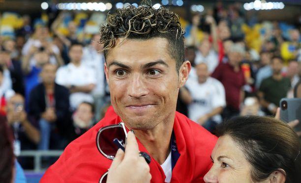 Cristiano Ronaldo vihjasi lähtevänsä Real Madridista.
