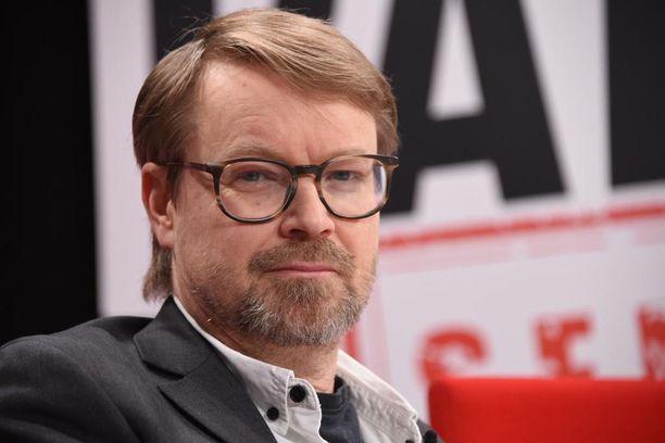 Professori Olli Vapalahti toivoo, että vasta-ainelääkkeestä saadaan nopeaa apua koronavirusinfektion vaikeisiin tautimuotoihin,