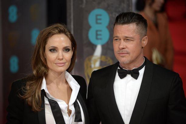 Angelina Jolie ja Brad Pitt ovat riidelleet lastensa huoltajuudesta oikeudessa jo vuosia. Ex-parilla on kuusi lasta.