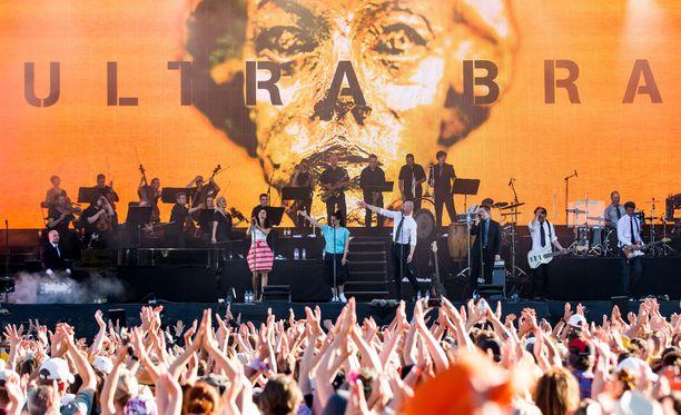 Ultra Bra teki paluun kolmen festarin kiertueen kesällä 2017. Lisäksi bändi esiintyi kahdesti saman vuoden jouluna Hartwall Arenalla.