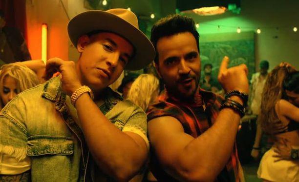 Daddy Yankee ja Louis Fonsi viihtyvät listojen ykköspaikoilla.