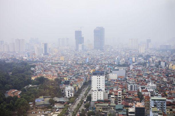 Hanoin taivas peittyy usein saastepilveen, joka pysyy paikallaan päivien ajan.