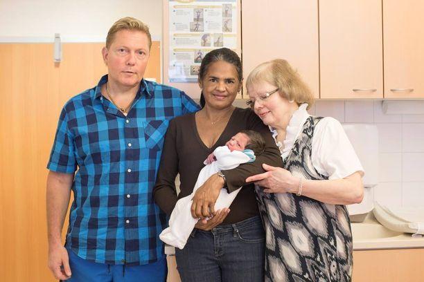 Synnytyssairaalalla vierailivat Keskisen lisäksi hänen äitinsä ja Janen äiti.