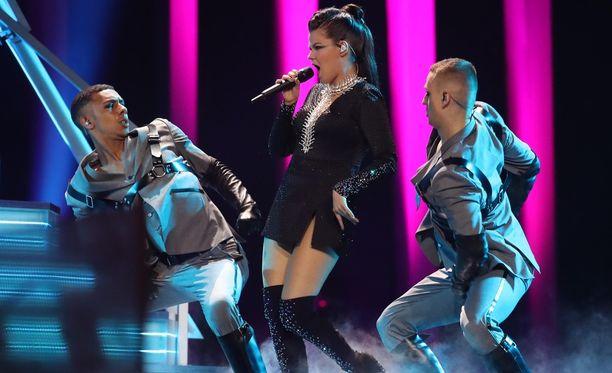 Saara Aalto pääsi jatkoon Euroviisuissa ja hänet tullaan näkemään viisufinaalissa.