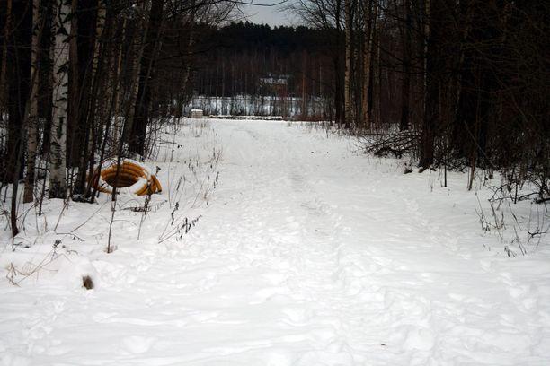 Hanna-Mari Kokkarista etsittiin perjantaina Iidesjärven rannoilta.