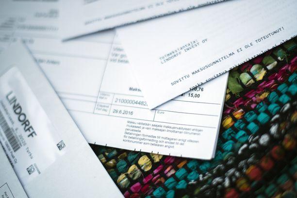 Lowell Suomi Oy:n prosessivirhe johti sadoille kirjattuun, aiheettomaan maksuhäiriömerkintään. Kuvituskuva.