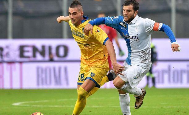 Chievon kapteeni Perparim Hetemaj pelaa väkevää kautta.