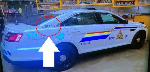 Kuvassa Nova Scotian provinssissa riehuneen ampujan ajoneuvo, joka oli naamioitu näyttämään Kanadan poliisin virka-autolta. Auton erotti virheellisestä numerosta ajoneuvon takaosassa.